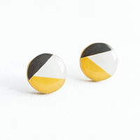 Mustard geometric earrings studs