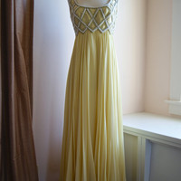 Vintage 1960s Silk Chiffon Beaded Gown in Pale Lemon Yellow Size 10 12