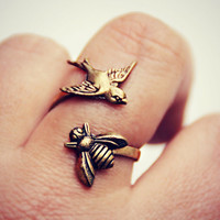 the birds and the bees ring, bird ring, bee ring, bird accessories, bee jewelry, bee accessories, spring fashion, vintage style