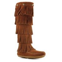 This casual suede boot from Minnetonka is right on trend this season!  This layered fringe boot comes in great colors and looks great on everyone!