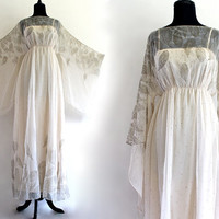 70s Ivory Feather Boho Hippie Goddess Flutter by LuvStonedVintage