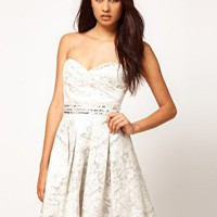 Little Mistress | Little Mistress - Prom dress in jacquard decorato su ASOS