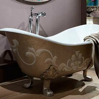 Classic style cast iron bathtub Cast iron bathtub by Giusti Portos