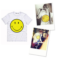 5SOS Smiley Face T-Shirt | Yotta Kilo