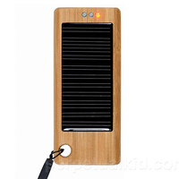 BAMBOO iSOLAR PORTABLE CHARGER