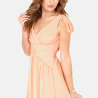 Gwen Chiffon-i Pleated Peach Dress