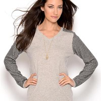 Lu Vic & Beau Long Sleeve V-Neck Cashmere Sweater - Editor-off-Duty ft. Catherine Malandrino, BCBG Maxazria - Modnique.com
