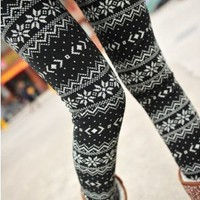 Maybe Women's Snow Snowflake Footless Pantyhose Legging