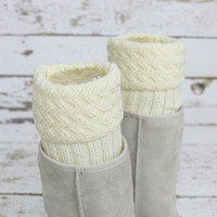 women Boot Cuffs - ivory knit cuff,boot topper -button cuff - leg warmers,boot socks ,Knit Boot Cuffs,leg warmers,women leg warmers,