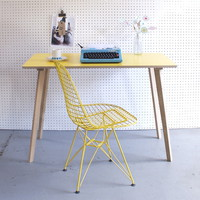 Perky Formica Table / Desk