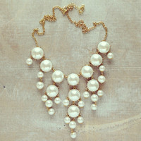 HELEN'S PEARL BAUBLE NECKLACE