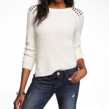 STUDDED SIDE SLIT SHAKER KNIT SWEATER