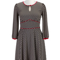 Piped trim houndstooth print knit dress