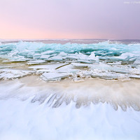 Shelf Ice/ North sea/Winter/ Netherlands/ Photo printed on Canvas 20x30 cm