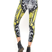 Motel Legging in Neon Scales Yellow