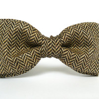 Men's Bow Tie by BartekDesign: pre tied brown herringbone wool informal proms grooms honey gold light brown