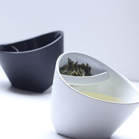 Magisso Tipping Teacup - White