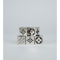 Pre-Owned: Metallic Silver Cube Dice Game