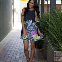 Black Floral Print Round Neckline Sleeveless Shift Dress
