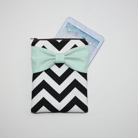 iPad Mini - Kindle - Nook - eReader Case - Black and White Chevron Mint Bow - Padded