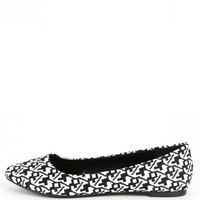 City Classified Sadler-s Black Pointy Flats | MakeMeChic.com