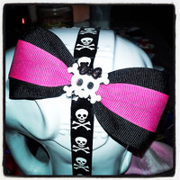 Black Base & Magenta Pink Center Stripe with Girlie Skull Center Charm Hair Bow