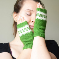 Fingerless gloves ivory kelly green wool gloves winter gloves birthday gifts valentines day gifts