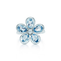 Tiffany & Co. - Tiffany Garden flower ring in 18k white gold with aquamarines and a diamond.