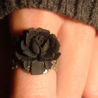 Black Rose Ring in Antique Silver - Adjustable (538)
