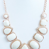 Ivory Stone Majesty Necklace Set