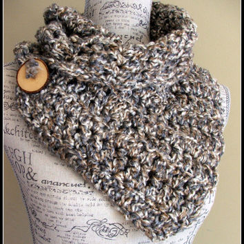 Crochet Pattern For Infinity Scarf With Buttons : Crochet Scarf. Infinity Scarf. Infinity from Bead Gs ...