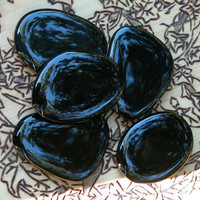 Black Onyx Rare Flat Large Scrying Palm Stones . Intuition, Divination, Strength, Change, Balance, Grounding, Focus, Self Confidence, Banish