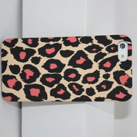Wild Leopard Hard Snap-On Skin Case Cover Accessory for Apple iPhone 4 4S for Gift-Pink