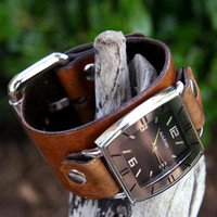 Classic Tan Leather Wrist Watch