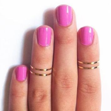 5pcs Set Rings Stack Plain Above Knuckle Rings Band Mid Finger Rings (Gold Tone)