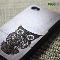 Walnut iphone 4s wood case , wood iphone 4s case , iphone 4 wooden case, iphone 4 case, Engraved Owl iPhone Case